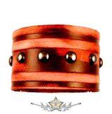 Bőrcsík karkötő - 1 soros gomb szegecsekkel. BJU.  karkötő, csuklószorító