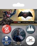 BATMAN V SUPERMAN (SUPERMAN) BADGEPACK.  jelvényszett